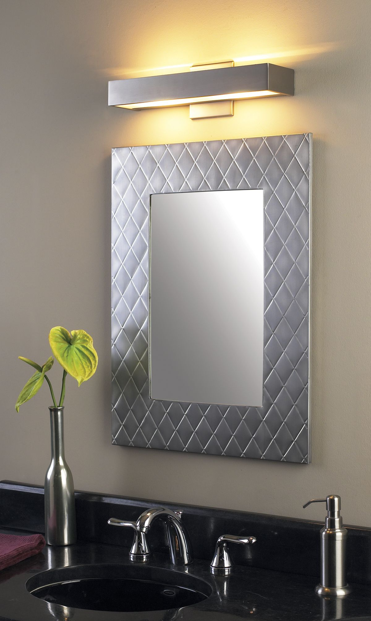 Vanity Light Wall Mirror : How to Pick the Best Bathroom Vanity Lighting Bathroom Vanity Lighting Ideas - Lightology