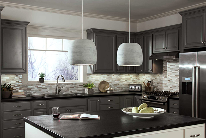 How To Light A Kitchen Lightology - Kitchen counter pendant lighting