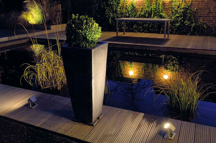 Outdoor space through lighting cubix i exterior floor lamp