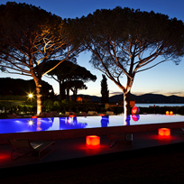 Outdoor decorative landscape lighting