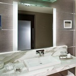 Novo Vertical Lighted Mirror -  /