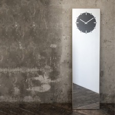 Inverse Floor Mirror Clock