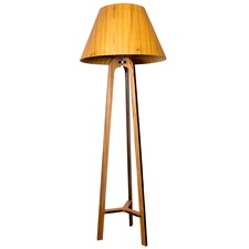 Tripod 3002 Floor Lamp