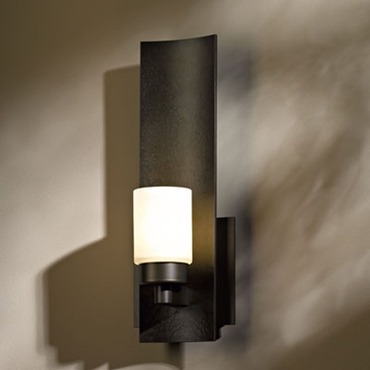 Eddy Short Glass Wall Sconce by Hubbardton Forge | 207790-07-G261