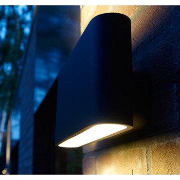 Solo Outdoor Wall Sconce
