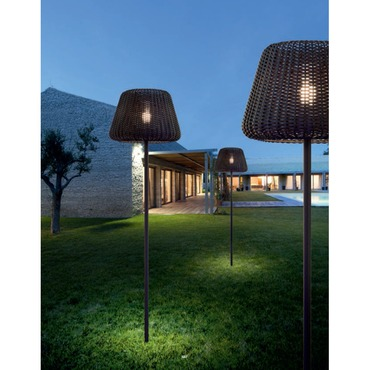 Ralph Outdoor Stake Floor by Zaneen Lighting | D8-4340+D8-9028