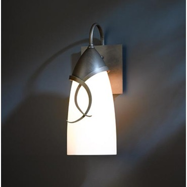 Flora Outdoor Wall Light by Hubbardton Forge | 303075-07-G446