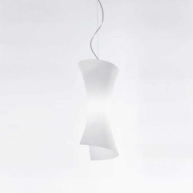 Twister Pendant by ZANEEN design | D8-1001