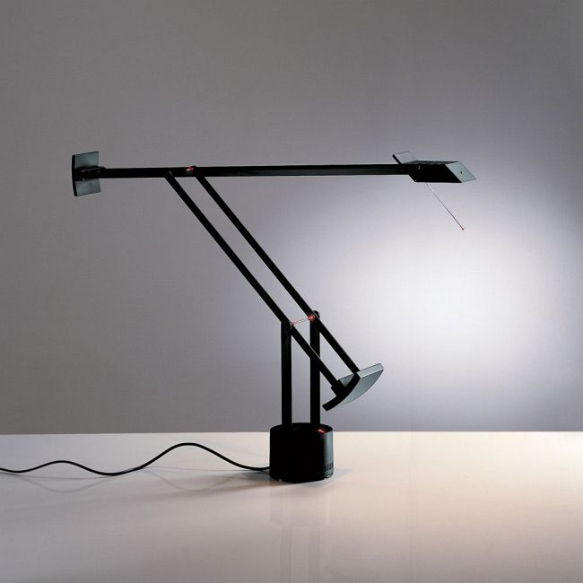 Tizio Classic Desk Lamp by Artemide | A009045