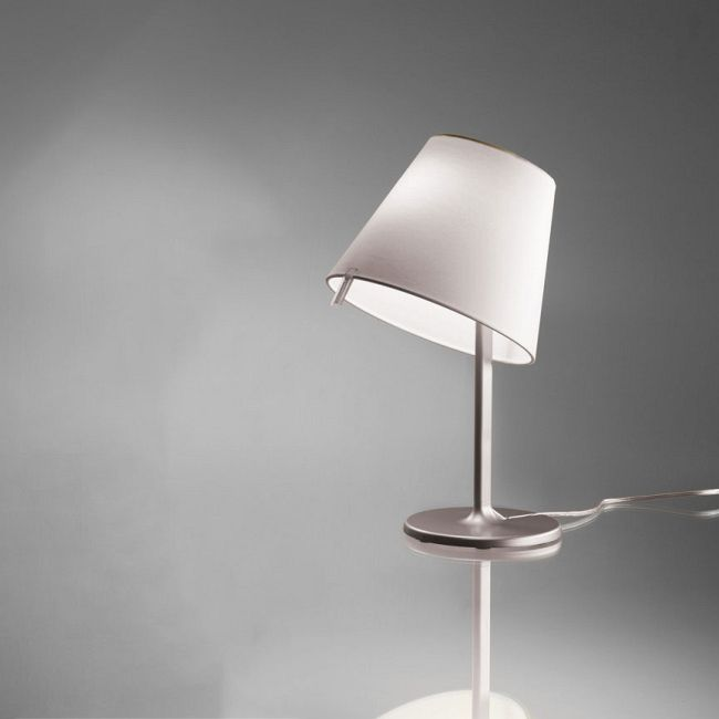Melampo Table Lamp by Artemide | 0710018A