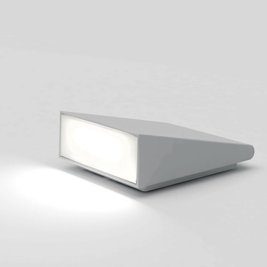 cuneo outdoor wall path light by artemide t082908