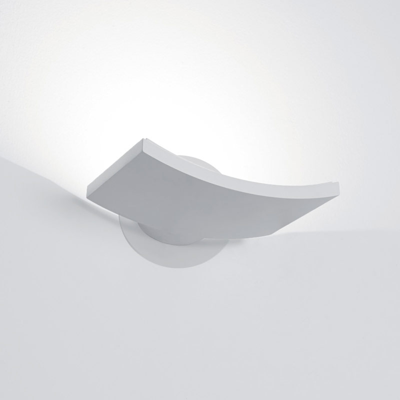 surf micro wall light by artemide