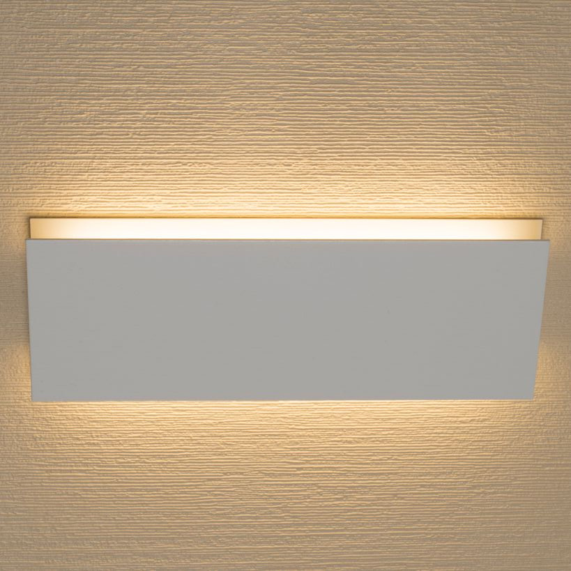 Architectura Horizontal Wall Sconce By Aamsco W3a0071