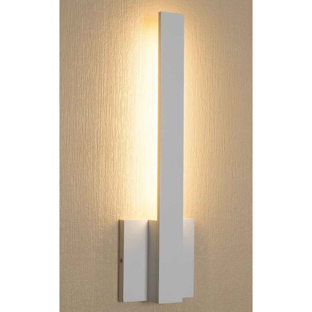 Architectura Vertical Wall Sconce By Aamsco W3a0073