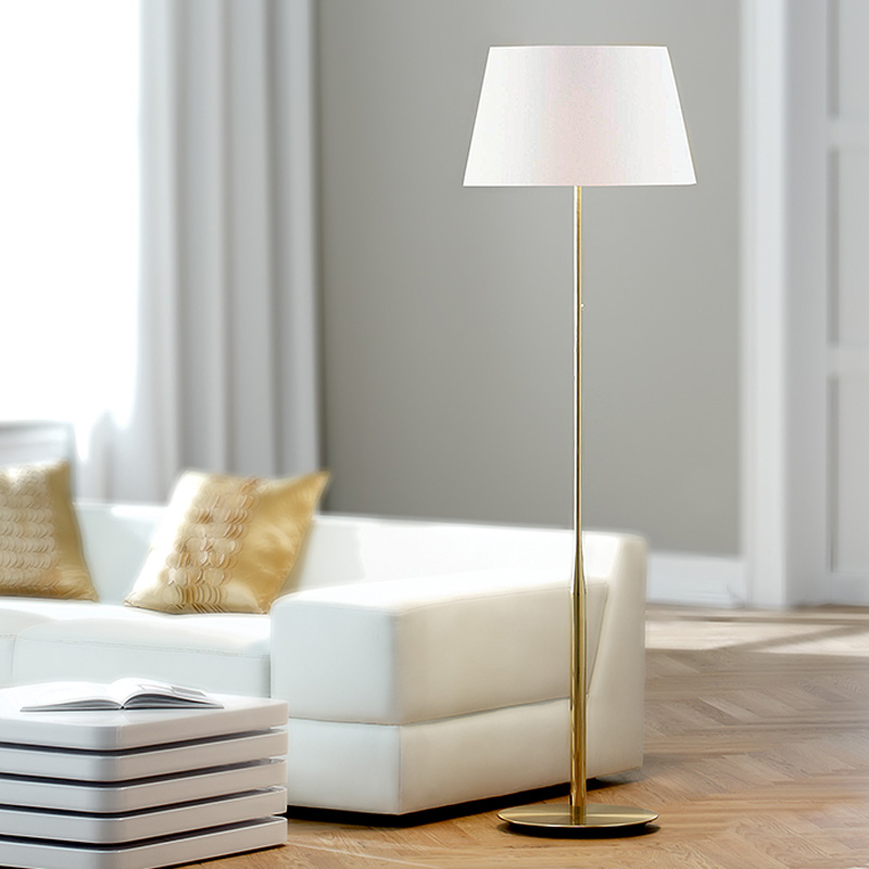 Pia Series Floor Lamp By Holtkoetter