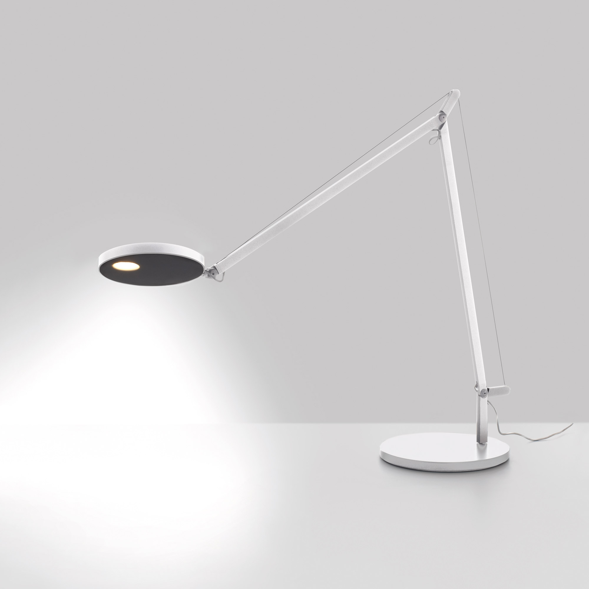 Demetra Desk Lamp By Artemide Dem1002
