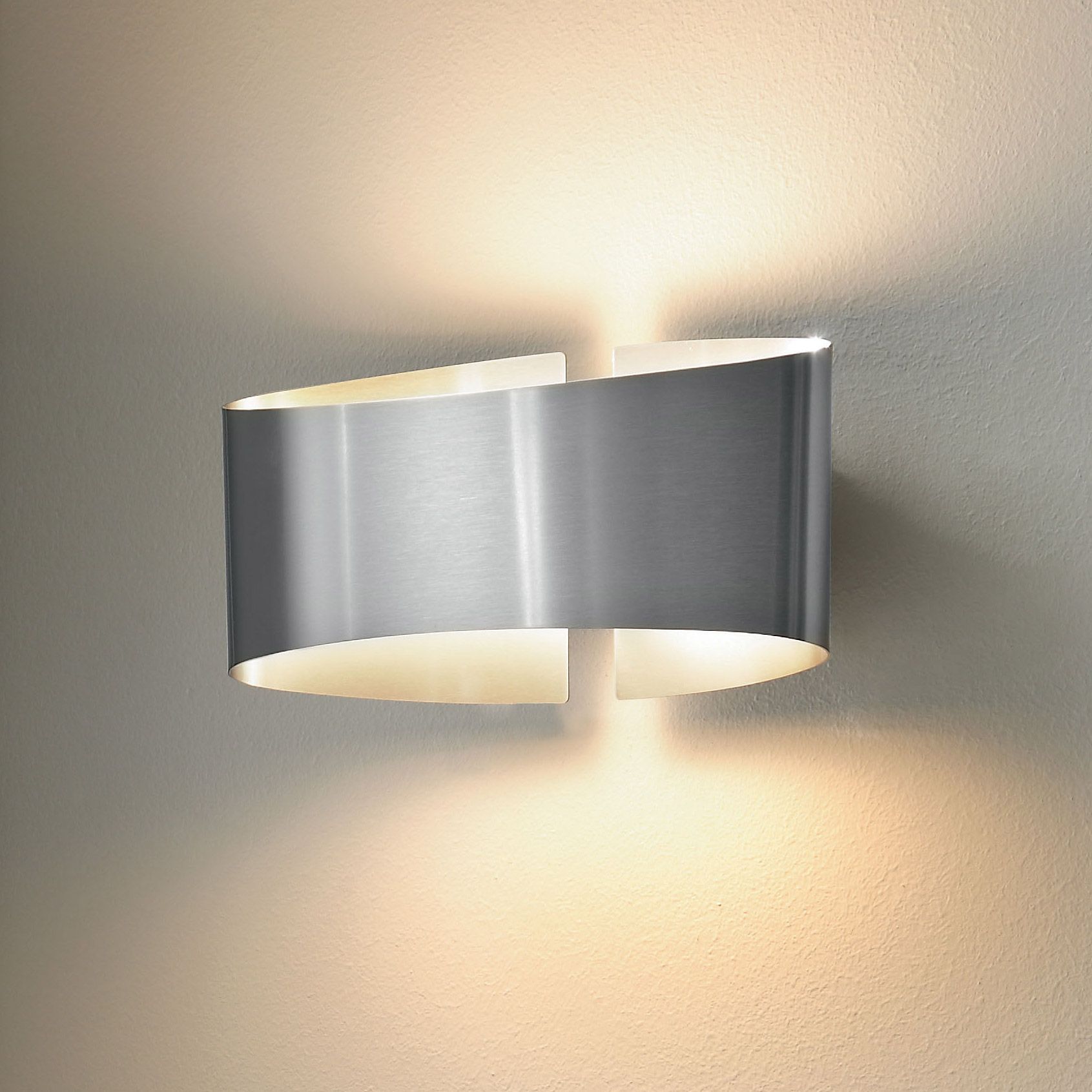 Voila Metal Wall Light By Holtkoetter 8501 Sts