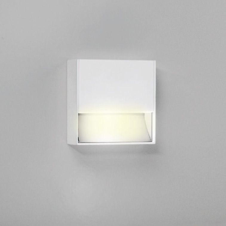 zero amica surface mount led wall sconce by lucitalia lc0555401