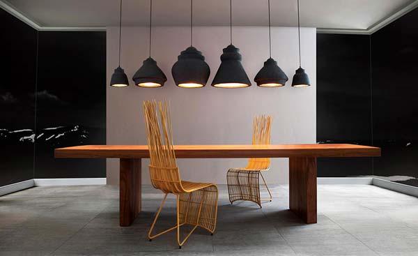 Alyssa barton ala lighting specialistchicago showroom at lightology